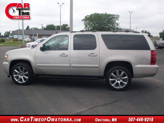 2008 chevrolet suburban lt at car time of owatonna 507 446 9218. Black Bedroom Furniture Sets. Home Design Ideas