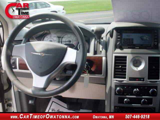 Title #www.dealerpacim.net/vehicle_images/mncartime/0015309/00110_2010-chrysler-town-country-15309.jpg