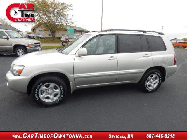 2005 toyota highlander base at car time of owatonna 507 446 9218. Black Bedroom Furniture Sets. Home Design Ideas
