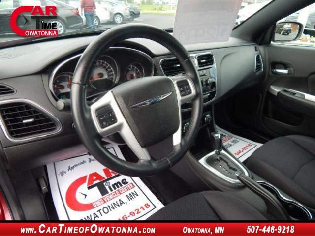 Title #www.dealerpacim.net/vehicle_images/mncartime/0021039/00100_2013-chrysler-200-21039.jpg