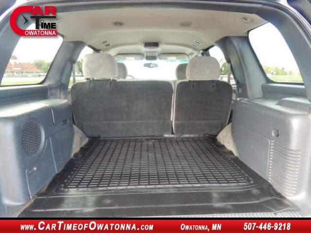 Title #www.dealerpacim.net/vehicle_images/mncartime/0021333/00070_2001-chevrolet-tahoe-21333.jpg