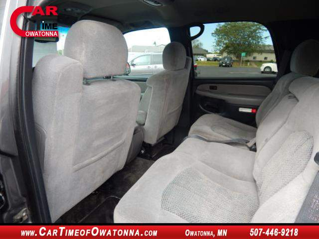Title #www.dealerpacim.net/vehicle_images/mncartime/0021333/00100_2001-chevrolet-tahoe-21333.jpg