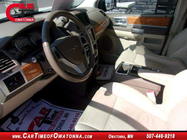 Title #www.dealerpacim.net/vehicle_images/mncartime/0033319/00050_2010-chrysler-town-country-33319.jpg