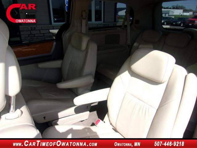 Title #www.dealerpacim.net/vehicle_images/mncartime/0033319/00060_2010-chrysler-town-country-33319.jpg