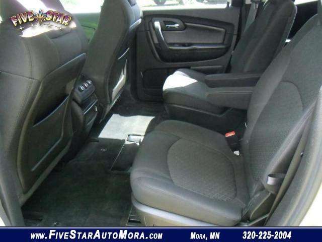 Title #www.dealerpacim.net/vehicle_images/mnfivestar/0018550/0006_p4t0.jpg