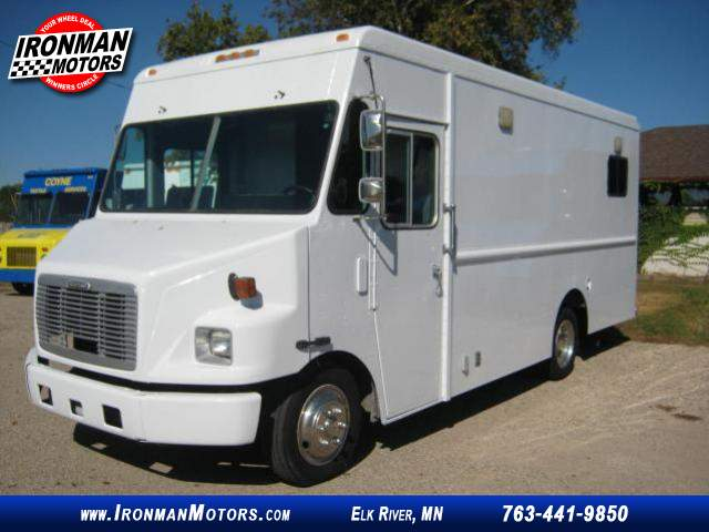 Title #www.dealerpacim.net/vehicle_images/mnironman/0016430/00000_2001-freightliner-ultilimaster-mt45-16430.jpg