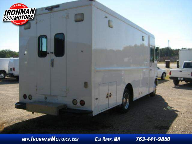 Title #www.dealerpacim.net/vehicle_images/mnironman/0016430/00040_2001-freightliner-ultilimaster-mt45-16430.jpg
