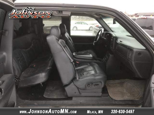 Title #www.dealerpacim.net/vehicle_images/mnjohnson/0022625/00050_2002-chevrolet-silverado-22625.jpg