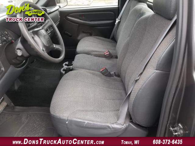 Title #www.dealerpacim.net/vehicle_images/widonsauto/0023719/00060_2001-chevrolet-silverado-reg-cab-4x2-23719.jpg