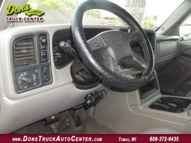 Title #www.dealerpacim.net/vehicle_images/widonsauto/0024438/00060_2005-chevrolet-silverado-12-ton-crewcab-24438.jpg