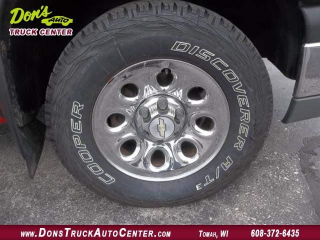 Title #www.dealerpacim.net/vehicle_images/widonsauto/0024849/00150_2005-chevrolet-silverado-12-ton-24849.jpg